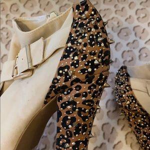 Spike platform Heels